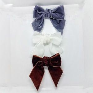 Neutral Velvet Bow Set Great for Work or School!